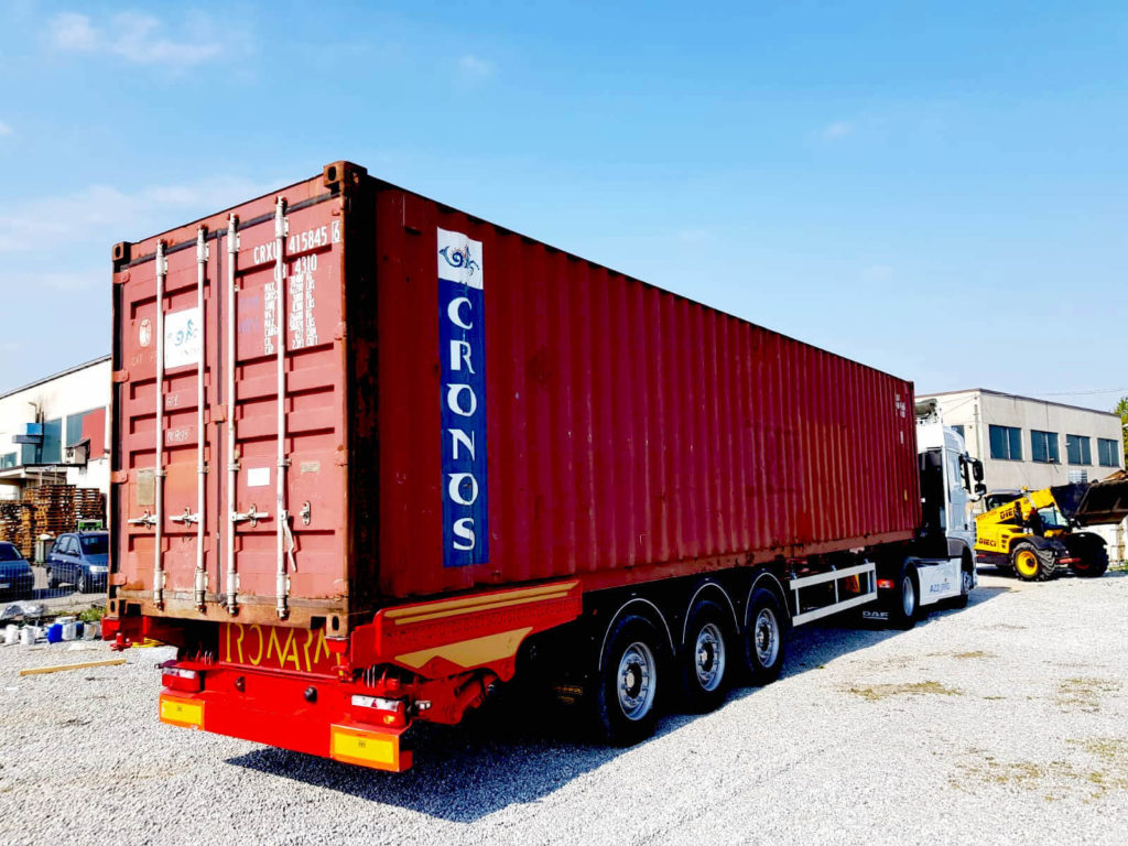 Iso container unloading and loading from truck